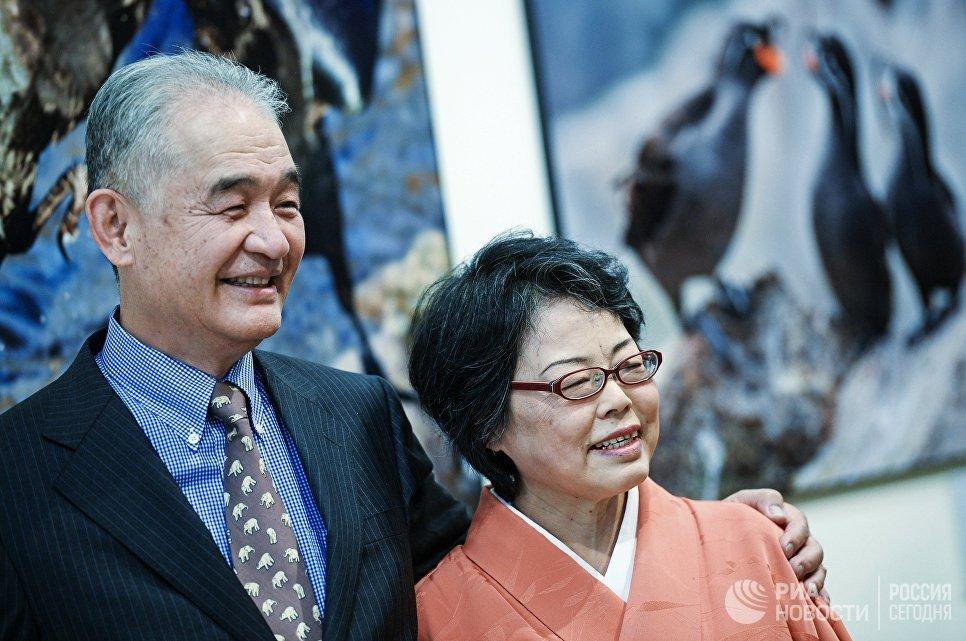 Японский фотограф Тосидзи Фукуда с супругой на открытии IV фестиваля Первозданная Россия в Москве