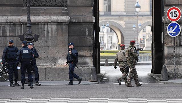 Трамп призвал США извлечь урок изнападения исламиста встолице франции