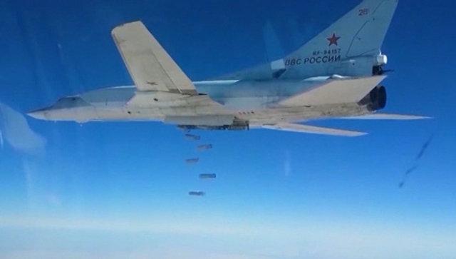 Бомбардировщики Ту-22М3 ВКС РФ уничтожили склады ИГ в провинции Дейр-эз-Зор