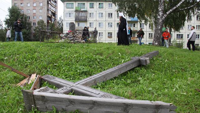 Вандалы срубили поклонный крест в Архангельске. Архивное фото