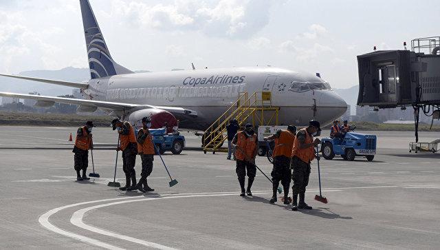 Закрытый из-за извержения вулкана аэропорт La Aurora, Гватемала