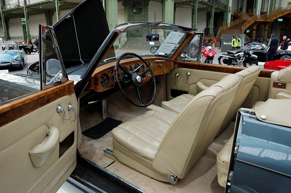 Bentley S1 Continental Drophead Coupe на выставке старинных автомобилей аукционного дома Bonhams