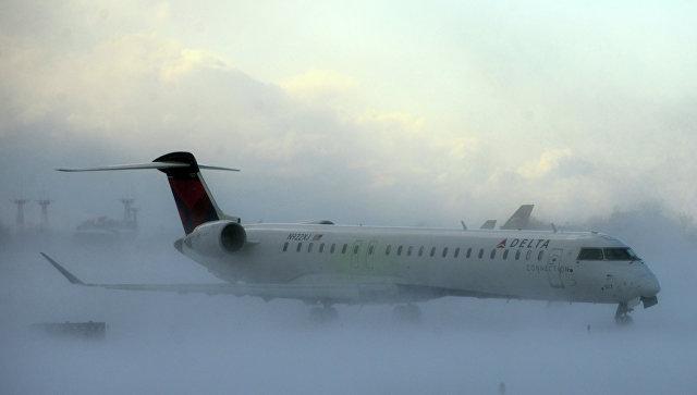 ВСША отменили неменее 2-х тыс. рейсов из-за снежного шторма