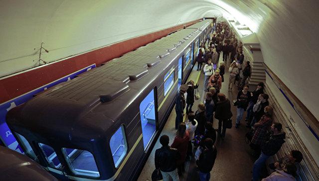 """Станцию метро """"Маяковская"""" в Петербурге открыли после проверки"""