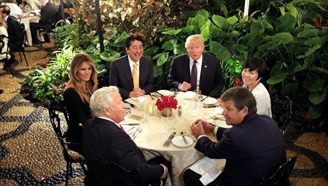 «Трамп-Twitter»— президент США доволен встречей сАбэ всвоем имении