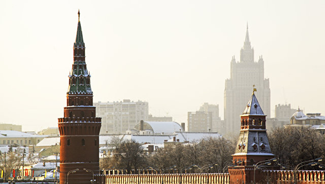 Московский Кремль и здание МИД