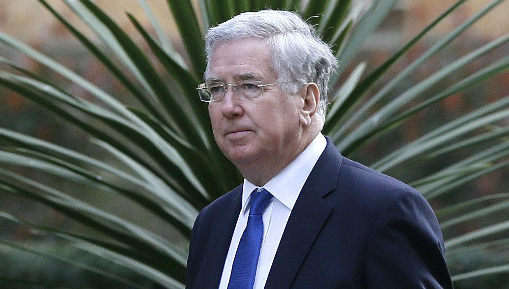 Министр обороны великобритании подал в отставку гомосексуалист