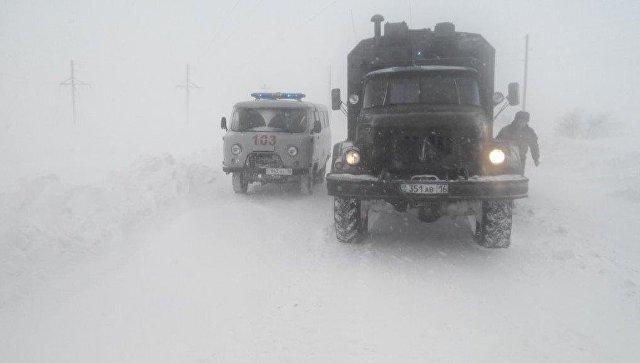 Во время учений в ущелье на юге Казахстана солдат накрыла лавина