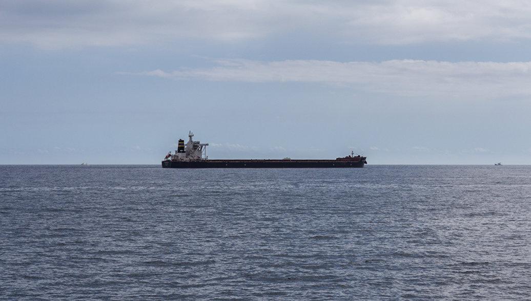 Япония: столкновение танкера с рыболовным судном в море