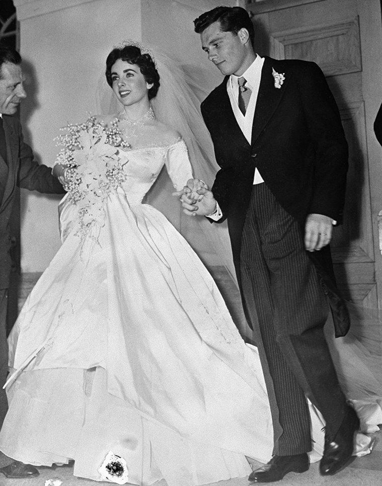 1-й брак актрисы Элизабет Тейлор с Конрадом Хилтоном-младшим, 6 мая 1950