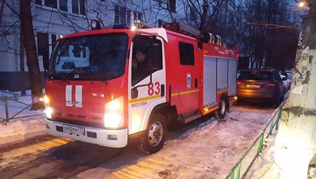 На северо-западе Москвы два человека погибли во время пожара на складе