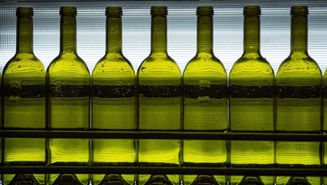 Судя по цифрам официальной статистики, к 2020 году россияне и правда станут пить значительно меньше, может быть, приблизятся к рекомендованным ВОЗ 8 литрам в год