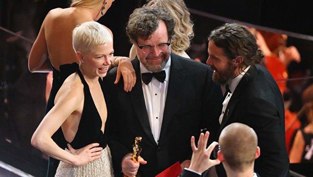 Лонерган иДженкинс завоевали «Оскар» всценаристких категориях