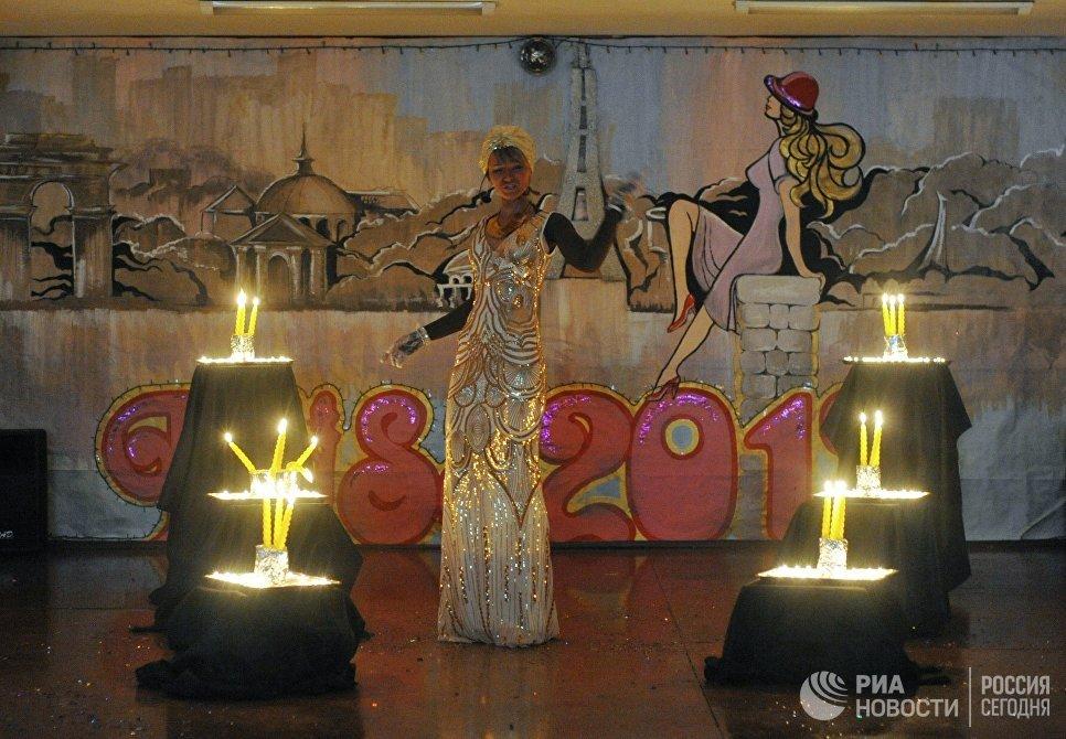 Участница конкурса красоты среди осужденных Мисс весна - 2017 в колонии общего режима для женщин ИК-10 УФСИН России по Приморскому краю