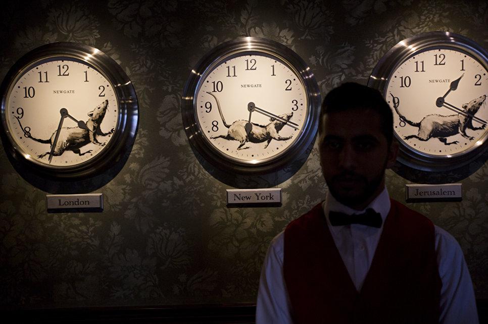 Бэнкси открыл вПалестине отель ссобственными работами настенах