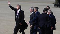 Президент США Дональд Трамп прибывает на авиабазу Лэнгли в Хамптоне. 2 марта 2017 года