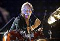 Барабанщик группы Metallica Ларс Ульрих выступает в бывшей государственной тюрьме в городе Хорсенс, Дания