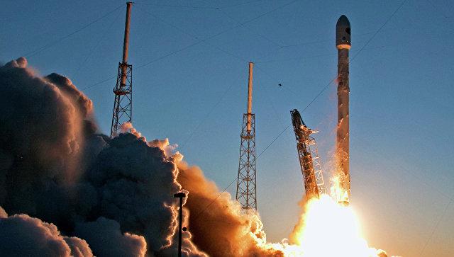 SpaceX запустила наорбиту ракету Falcon 9 соспутником EchoStar