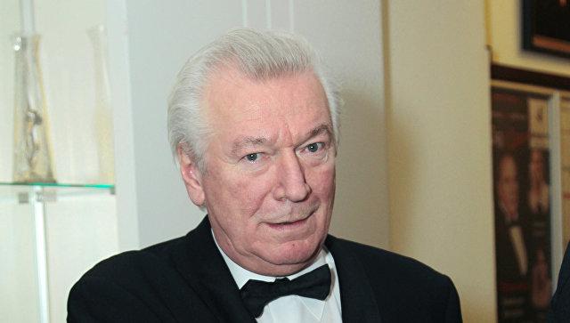 Медведев поздравил Аристарха Ливанова с70-летием