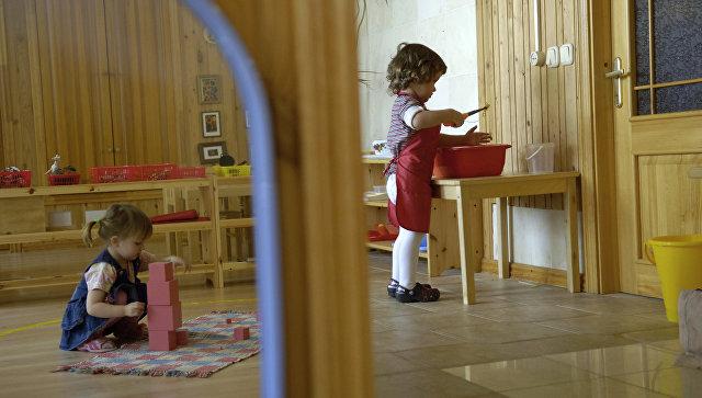 Поошибке воспитателя: вдетском саду Екатеринбурга ребенок выпил хлорку изчайника