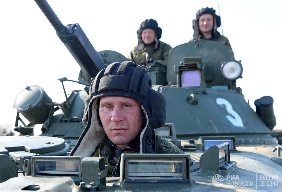 Вконкурсах «Танковый биатлон» и«Суворовский натиск» поборются 15 экипажей ВВО