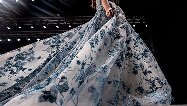 Модель на показе коллекции одежды бренда Speranza Couture дизайнера Надежды Юсуповой в рамках Mercedes-Benz Fashion Week Russia. Архивное фото