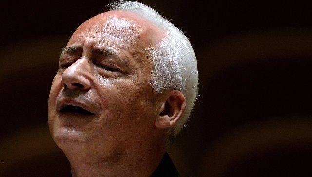 Художественный руководитель и главный дирижер Национального филармонического оркестра России Владимир Спиваков. Архивное