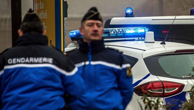Сотрудники жандармерии и полиции в городе Бове, Франция. Архивное фото