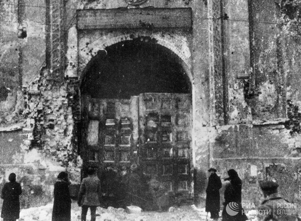 Никольские ворота московского Кремля