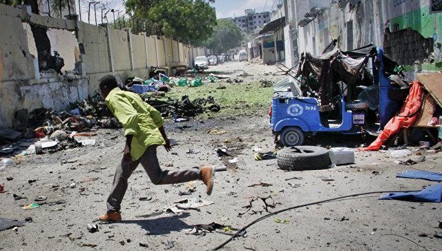 Место мощного взрыва в Могадишо. Архивное фото
