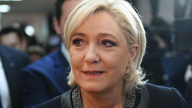 """Кандидат в президенты Франции Марин Ле Пен предрекла """"смерть"""" Евросоюза"""