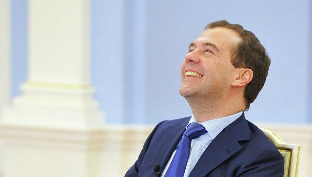 Песков переадресовал в руководство вопрос о самочувствии Медведева