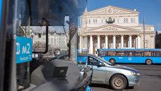 Автобус в центре Москвы. Архивное фото