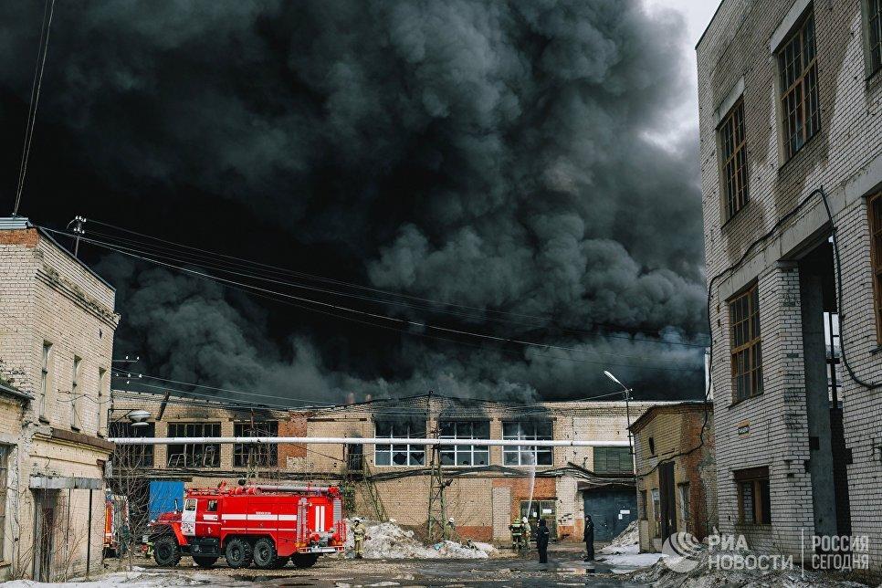 Пожар в производственном здании по производству перчаток в Иванове