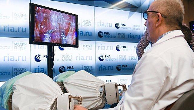 Презентация российского ассистирующего роботохирургического комплекса в МИА Россия сегодня. 5 апреля 2017