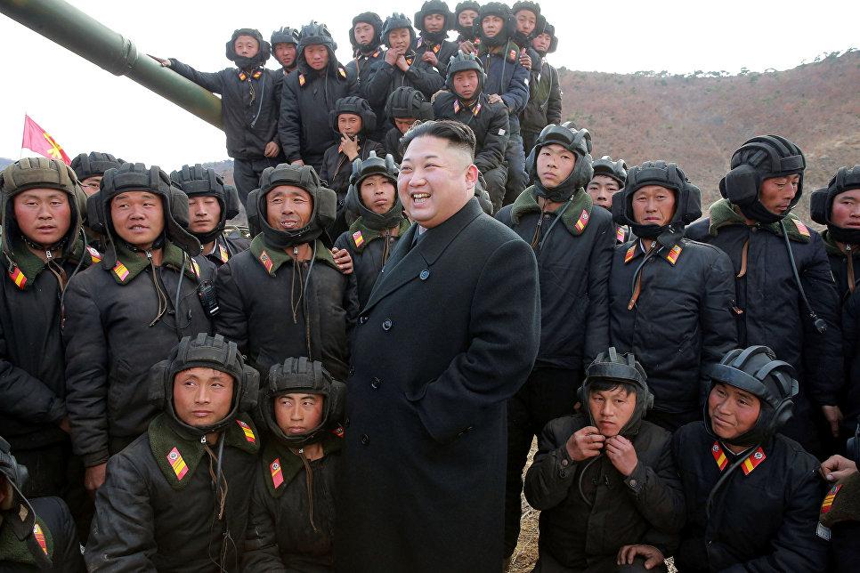 Ким Чен Ын провел смотр-конкурс танковых экипажей Корейской народной армии