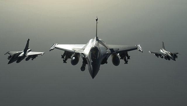 Самолеты международной коалиции в небе над Сирией. Архивное фото