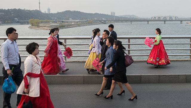 Репортер сказал, что вКНДР разрешены только 30 видов причёсок