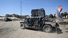Автомобиль армии Ирака во время операции против Исламского государства. Архивное фото