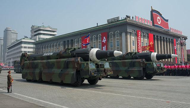 Военная техника во время парада в КНДР. Архивное фото