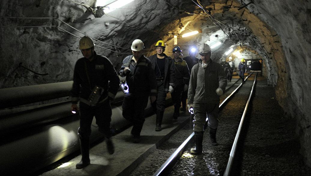 Рабочих эвакуировали из шахты в Якутии из-за задымления