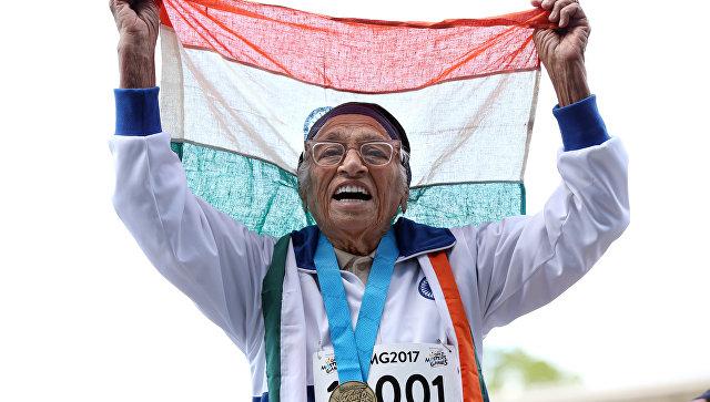 101-летняя жительница получила медаль взабеге на100 метров