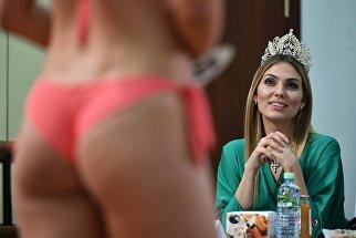 Победительница XXI фестиваля талантов и красоты Мисс Москва — 2016 Татьяна Цимфер в жюри на финальном кастинге Мисс Москва 2017
