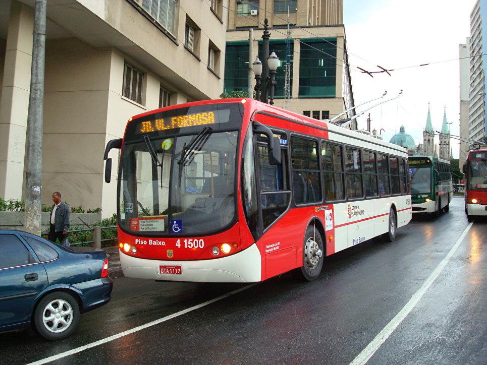 Троллейбус, построенный компаниями Busscar и WEG Industries в 2007 году в Сан-Паулу, Бразилия