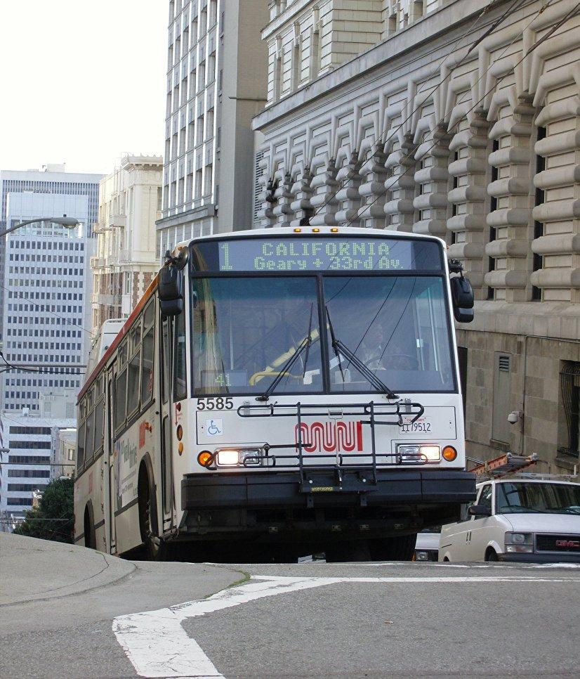 Троллейбус ETI 14TrSF в Сан-Франциско, США