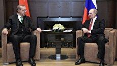 Президент РФ Владимир Путин и президент Турции Реджеп Тайип Эрдоган во время встречи в Сочи. 3 мая 2017