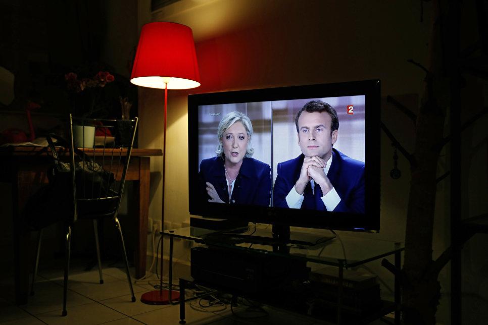 Прямой эфир телевизионных дебатов кандидатов в президенты Франции Эммануэля Макрона и Марин Ле Пен. 3 мая 2017