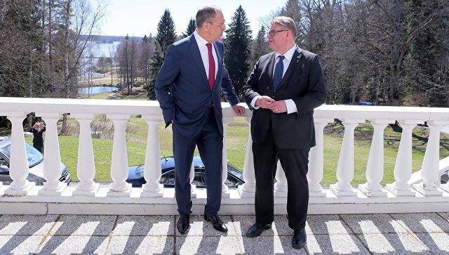 Лавров пошутил про хоккей навстрече сглавой МИД Финляндии