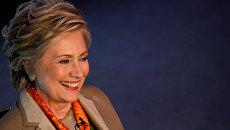 Американский политик, член Демократической партии Хиллари Клинтон в Нью-Йорке. 2 мая 2017 года