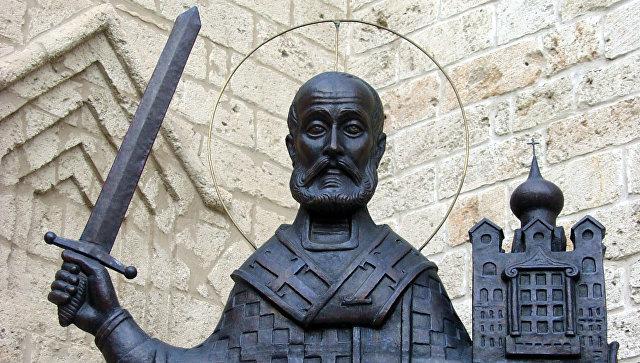 Памятник святому Николаю Чудотворцу. Архивное фото